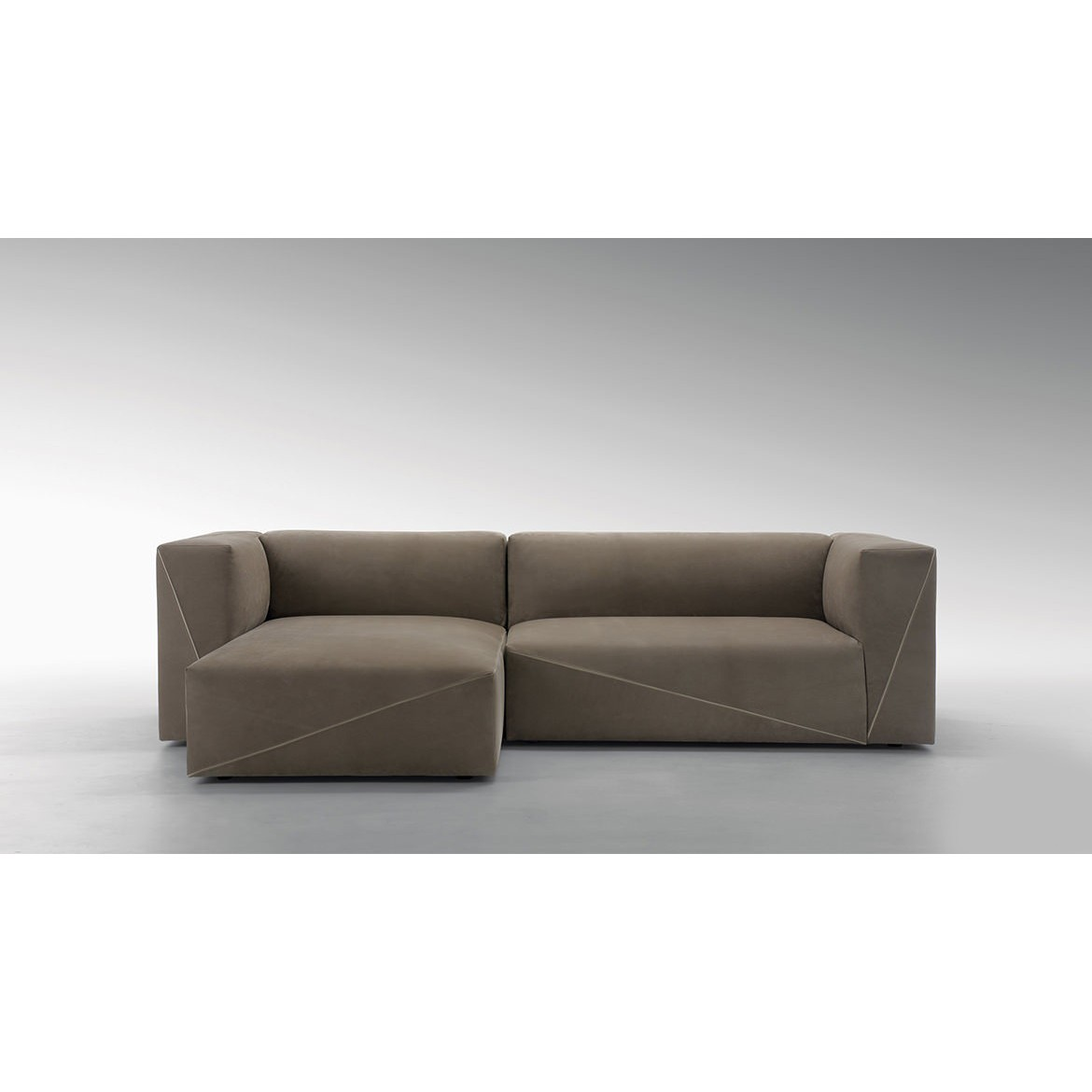 Диван, стиль хай-тек, дизайн Fendi Casa, модель Diagonal Sectional Sofa