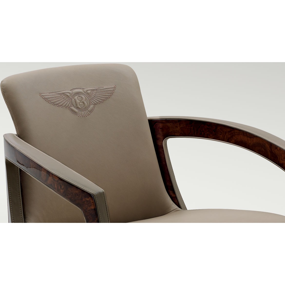 Кресло Belgravia Chair, дизайн Bentley Home