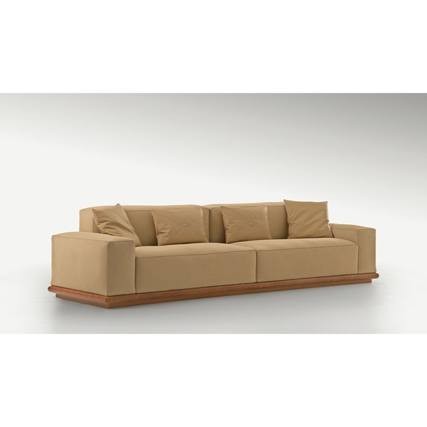 Диван Wellington Sofa, дизайн Bentley Home